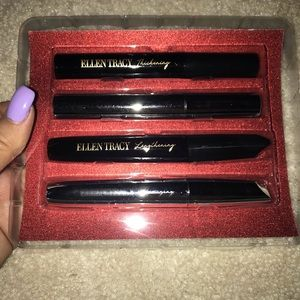 Ellen Tracy Mascara Set